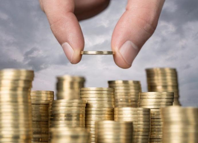 Жители Запорожья и области назвали суммы доходов, с которыми не будут себя чувствовать бедными