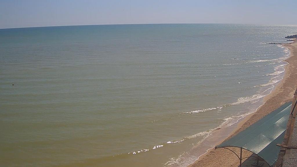 Что происходит на пляжах Бердянска и Кирилловки в последний день лета (ФОТО)