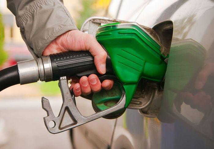 Сети АЗС повысили цены на бензин и дизтопливо: причины