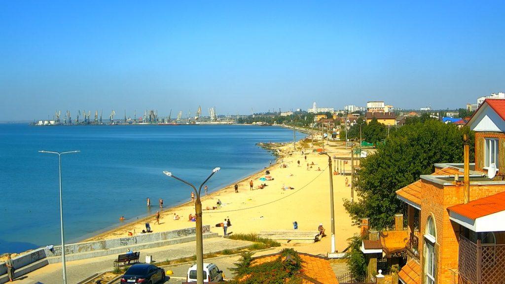 Как выглядят пляжи Кирилловки и Бердянска в последние дни перед похолоданием (ФОТО)