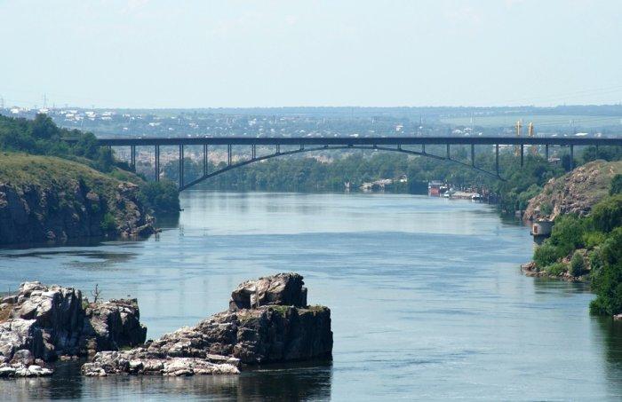 В Запорожье на одном из мостов запретят проезд большегрузов