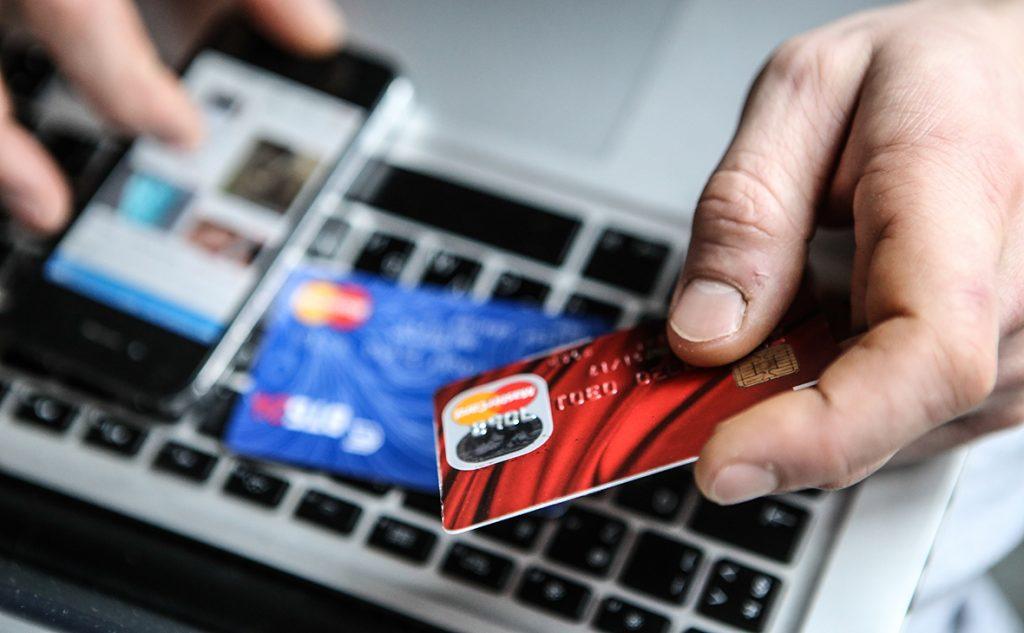 Мошенники украли с карточек у запорожанок 86  тысяч: как не попасть на уловки аферистов