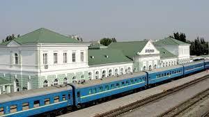 В Бердянске ж/д вокзал утроил количество принятых туристов: причины