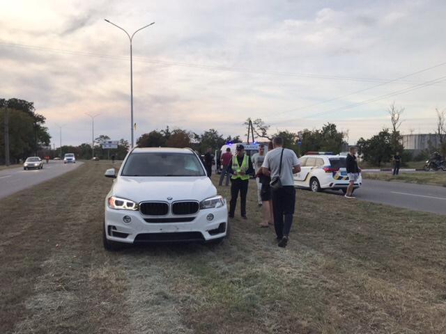 В Бердянске пьяный депутат сбил мужчину на BMW под камерами: его задержали очевидцы (ФОТО, ВИДЕО)