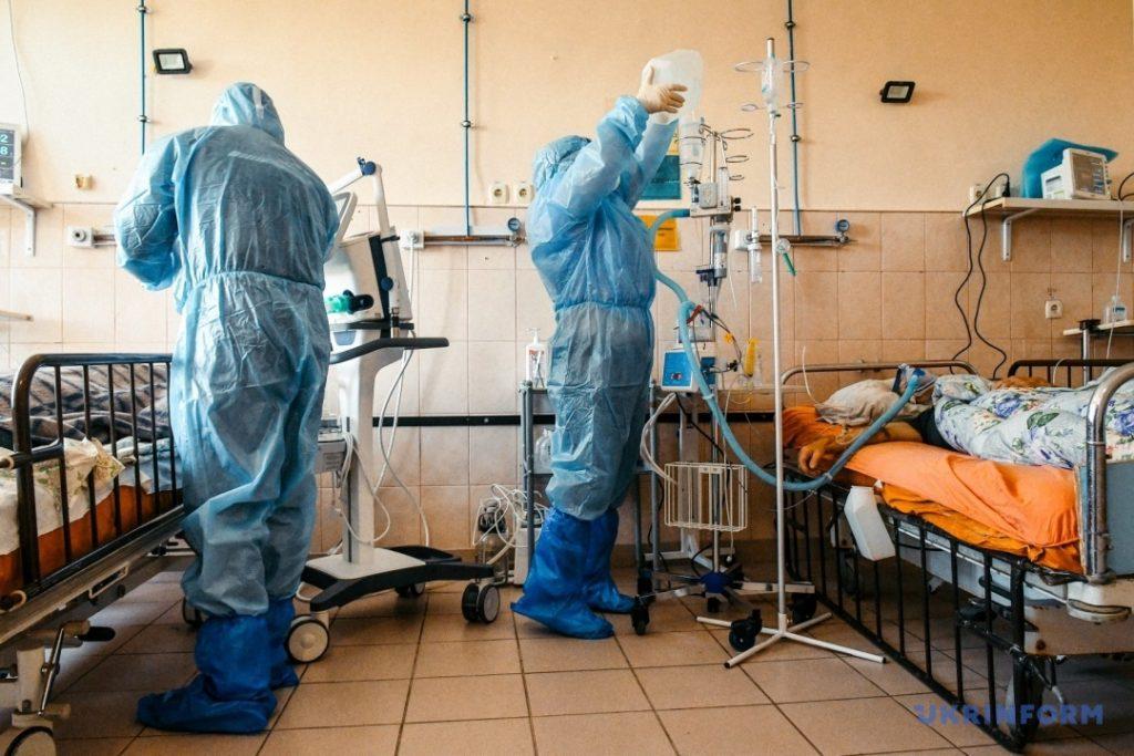 В Запорожской области более 1000 новых случаев COVID-19 и антирекорд по смертности