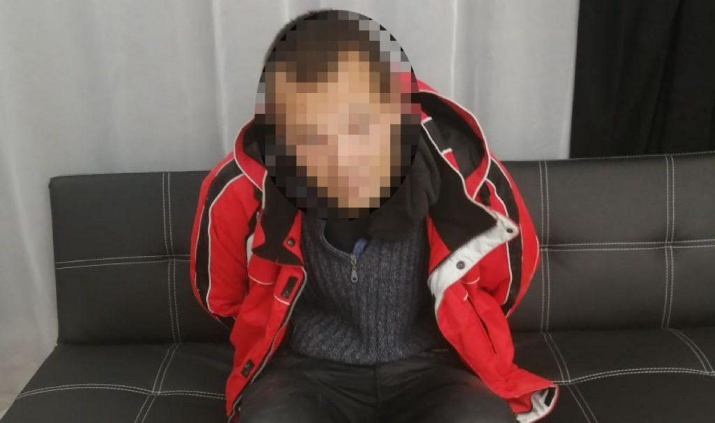 Грабитель оказался запертым внутри магазина в Запорожье (ФОТО)