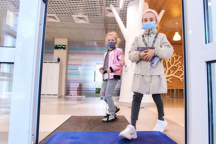 В Украине осенние каникулы для школьников могут продлить до месяца