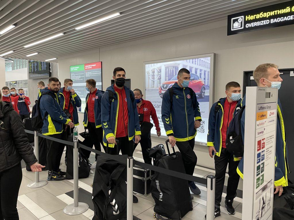 «МОТОР» отправился в Париж на матч Лиги чемпионов (ФОТО)