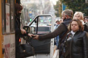 Вакцинация или тест: в Запорожье введут новые ограничения на проезд в городском транспорте