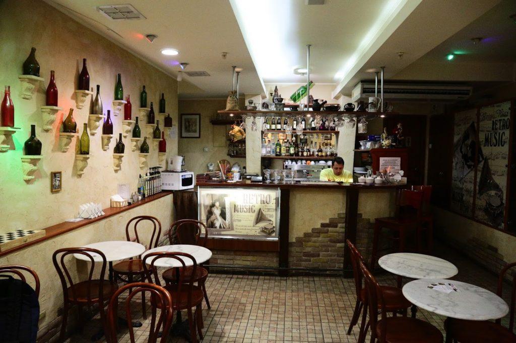 В Запорожье за 1,6 миллиона продаётся уникальное кафе (ФОТО)