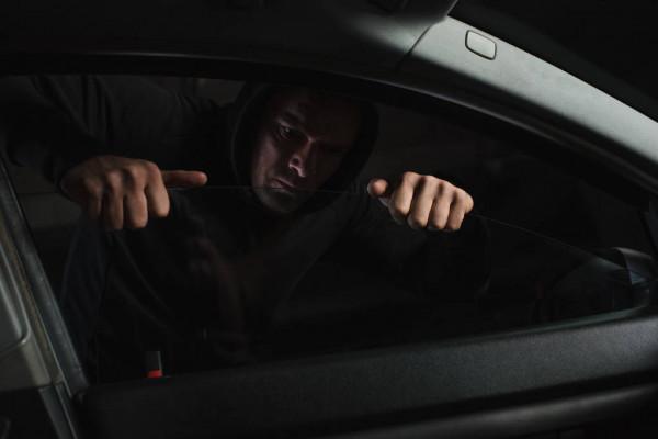 украли из авто 2 миллиона гривен