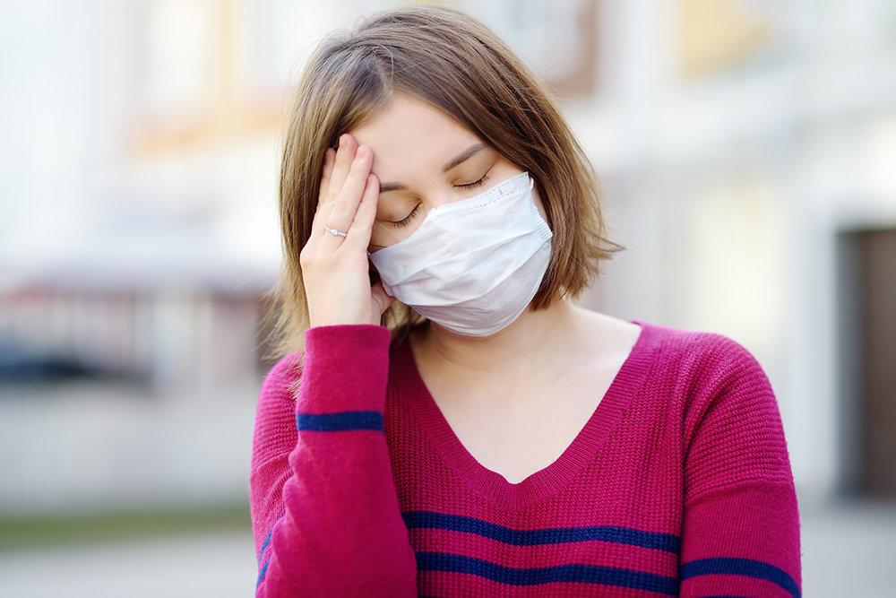 В МОЗ назвали симптомы легкой формы коронавируса: как они меняются