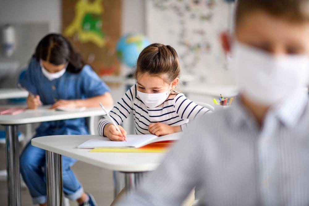 Запорожские школьники могут уйти на каникулы со следующей недели на неопределенный срок